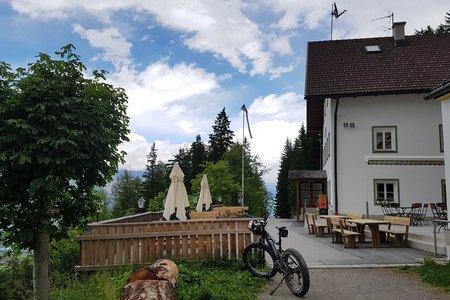 Alpengasthof Heiligwasser (1234 m) von Lans