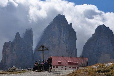 Drei-Zinnen-Hütte (2405 m) von Sexten