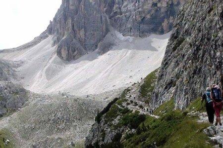 Zsigmondy Hütte (2224 m) von der Fischleinbodenhütte