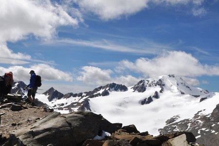 Hintereis Spitze (3269 m) von Grawand-Bergstation