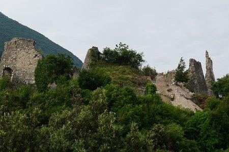 Castel Penede Rundwanderung von Nago