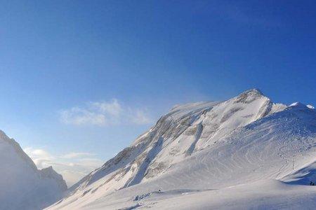 Neunerspitze-Wintergipfel (2874 m) von Pederü