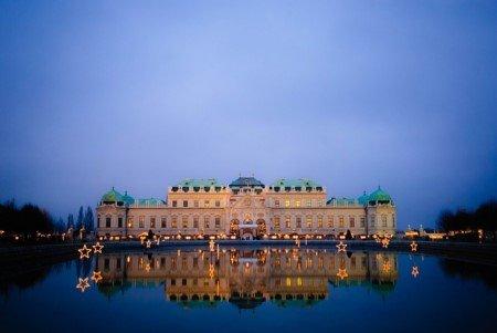Schloss Belvedere in Wien - die österreichische Hauptstadt ist auf jeden Fall einen Besuch wert und hat für Touristen allerhand zu bieten. Eine nette Abwechslung im Winterurlaub.
