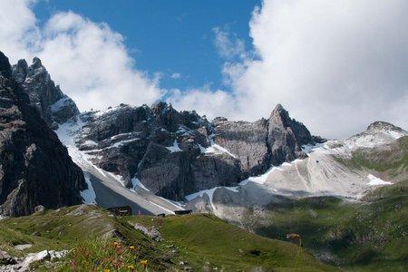 Gschnitzer Tribulaunhütte zur Italienischen Tribulaunhütte