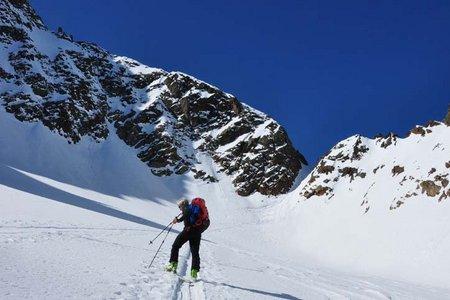 Putzenkarscharte (3002 m) von der Winnebachseehütte