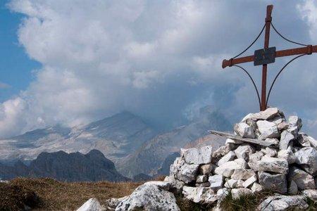 Sas dla Para (Lavinores, 2460 m) von der Pederü Hütte