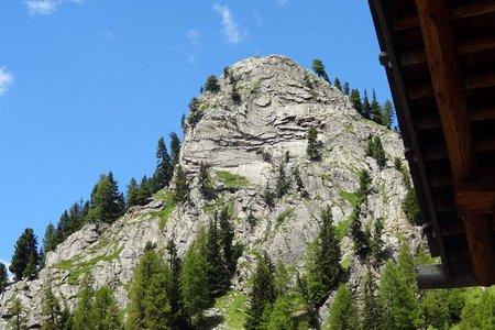 Elferspitze (2260 m) vom Gasthof Cafe Hölderle