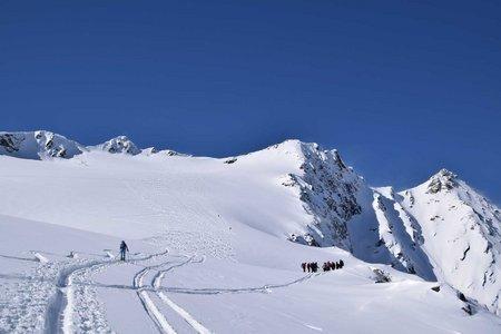 Mittlere Malhamspitze (3364 m) von der Essener-Rostocker-Hütte