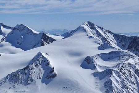 Similaun (3606 m) von der Similaunhütte