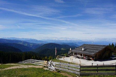 Almhütte Messnerjoch von Welschnofen über die Wolfsgrube