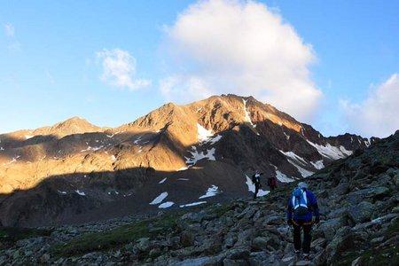 Vorderer Brochkogel (3562 m) von der Breslauer Hütte