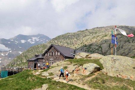 Magdeburger Hütte (2423 m) aus dem Gschnitztal