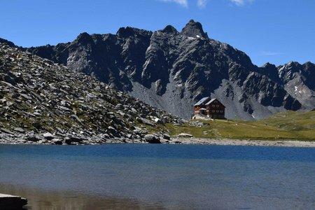 Neue Reichenberger Hütte (2586m) & Bödensee vom Parkplatz Trojer Alm