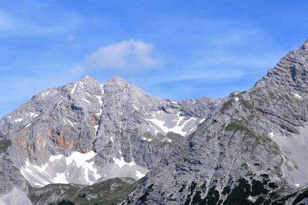 Östliche Praxmarkarspitze (2638 m) von der Pfeishütte