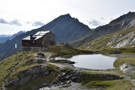 Sudetendeutsche Hütte (2650 m) von der Goldriedbahn
