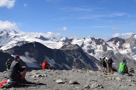 Hintere Schöntaufspitze (3225 m) aus dem Martelltal