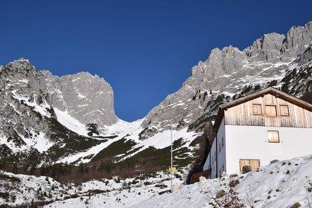 Gaudeamushütte (1263 m) vom Parkplatz Prama