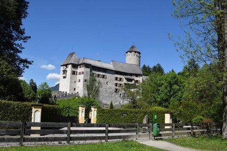 Burgenweg Rundwanderung vom Schloss Matzen