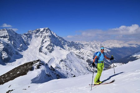 Butzenspitze (3300 m) von Hintermartell