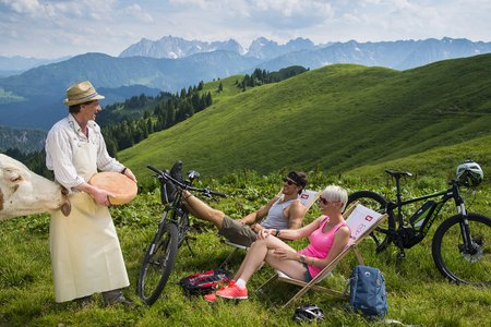 Hike & Bike zu dem Kaiser besten Geschmack mit alpinen Wurzeln