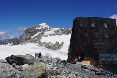 Schwarzensteinhütte (3026m) von der Kegelgasslalm