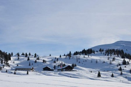 Zumis - Roner Alm - Rastnerhütte - Starkenfeldhütte