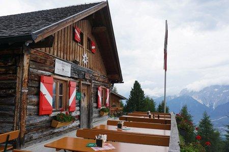 Peter-Anich-Hütte vom Parkplatz Grüne Bank