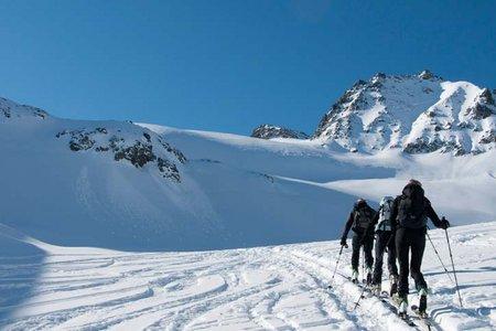 Hintere Jamspitze (3156 m) von der Jamtalhütte