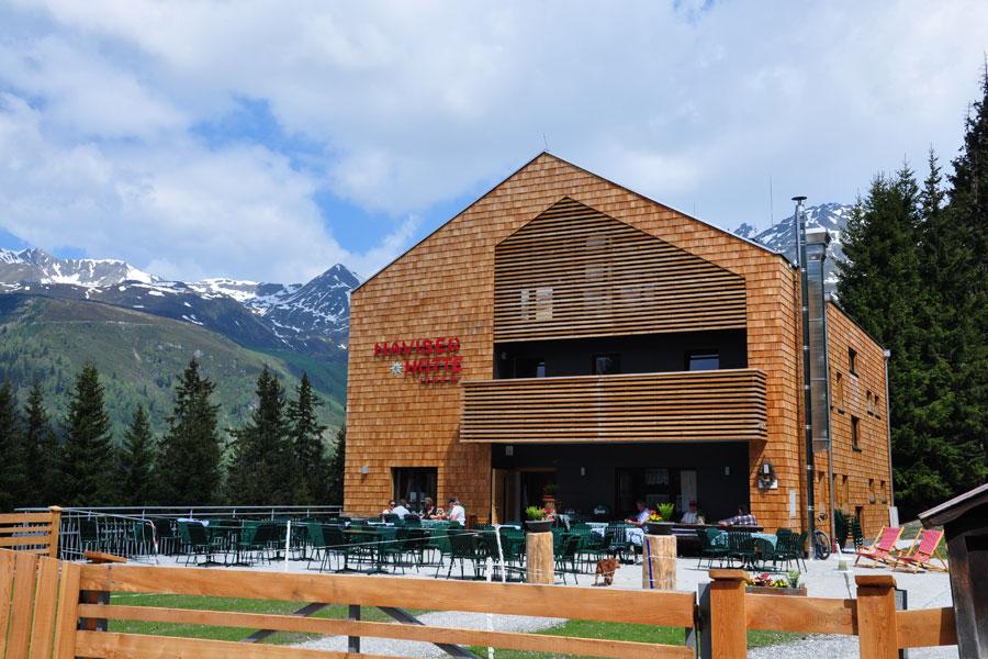 Hütte in den Bergen Design Ambiente Verglasung Panoramascheibe Esszimmer